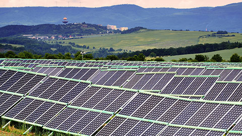 SOLAR PV PLOBALLY COSTS FALL 82% OVER THE LAST DECADE